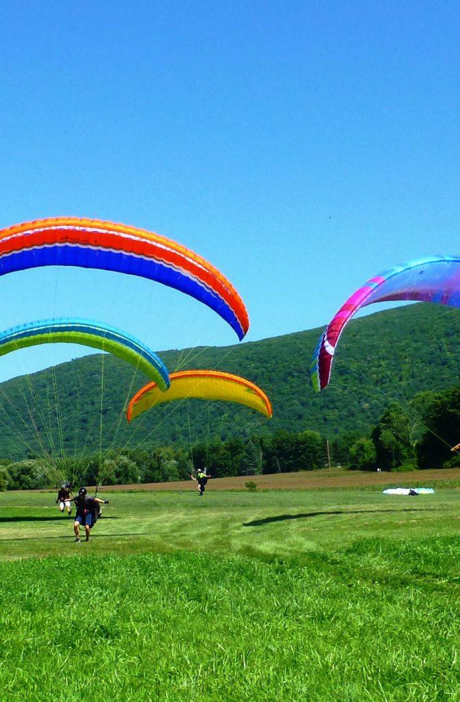 Paragliding lessons in Brasov Romania